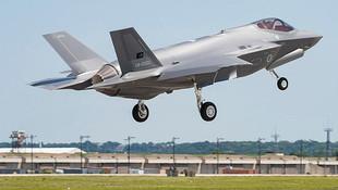 Türk F-35'lerin ilk uçuşu görüntülendi !