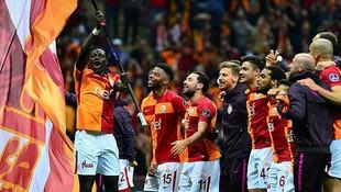 Galatasaray flaş karar ! Sistem değişiyor...