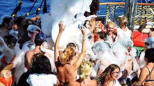 Marmaris'te köpük partisi ve müzik yasağı
