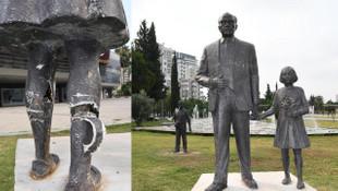 Atatürk büstüne satırlı saldırı