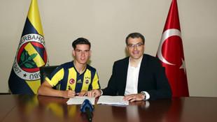 Ferdi Kadıoğlu resmen Fenerbahçe'de !
