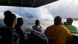 Hawaii'de korkunç olay ! Tur teknesine lav sıçradı