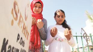 Şehit çocuklarının gözyaşları: ''Kandil'e bayrağı dikin''