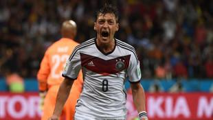 Mesut Özil Türk Milli Takımı'na mı geliyor ?