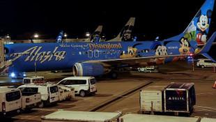 Havada panik ! Yolcu uçağı kaçırıldı, kaçırılan uçak bir adaya düştü