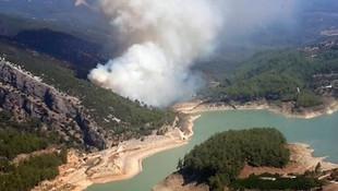 Tatil cennetinde yangın ! Havadan müdahale ediliyor