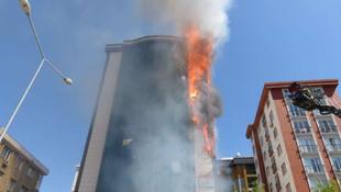 İstanbul'da plazada korkutan yangın
