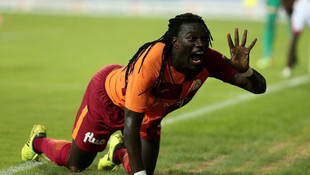 Emre Akbaba transferine Gomis engeli !