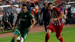 Antalya'da 6 gollük çılgın maç ! 1 de kırmızı çıktı...