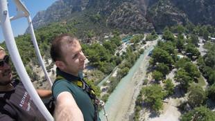 Bu da türkülü bungee jumping