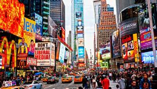 New York Times Meydanı'nı arılar bastı