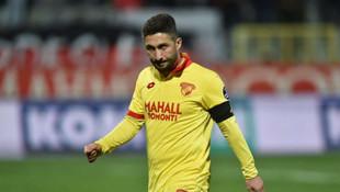 Sabri Sarıoğlu futbolu bıraktı mı ?