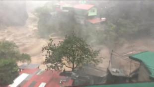 Polis duyurdu: ''En az 40 kişi toprak altında''