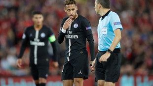 Liverpool - PSG maçına Cüneyt Çakır damgası