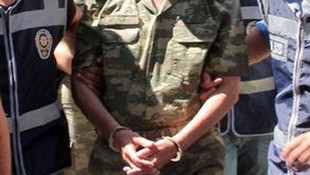 8'i muvazzaf 12 asker FETÖ'den tutuklandı