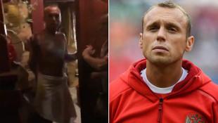 Yıldız futbolcu, sevgilisiyle saunada eşine yakalandı !