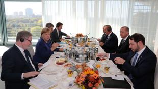 Eroğan ve Merkel kahvaltıda buluştu