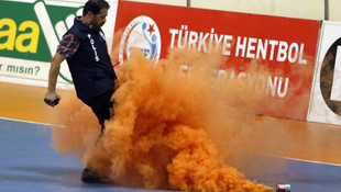 Hentbolda olaylı maç ! Şampiyon Beşiktaş !