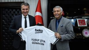 Fikret Orman'dan Yusuf Ziya Günaydın'a Beşiktaş forması