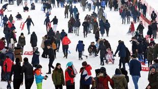 İğne atsan yere düşmez ! Kış turizminin cennetinde yer kalmadı