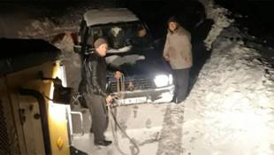 İzmir beyaza büründü ! Kar kalınlığı yarım metreyi aştı