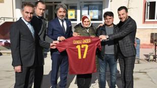 Cengiz Ünder'den Başkan Osman Kılıç'a forma