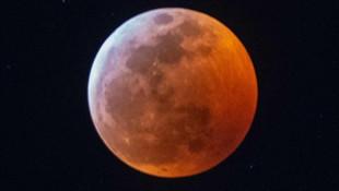Kanlı Ay tutulmasından fotoğraflar