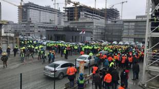 Binlerce işçi yemekhane koşullarına tepki gösterdi