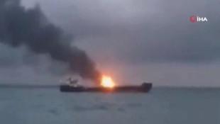 Kerç Boğazı'nda iki gemi alev aldı: Türkler de var