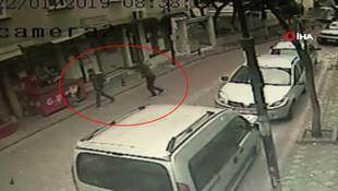 İstanbul'da sokak ortasında cinayet ! Görüntüler kan dondurdu