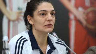 Nevriye Yılmaz 18 Yaş Altı Genç Kız Milli Takımı'nın antrenörü oldu