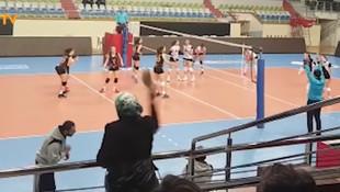 İzmir'de antrenöre anne terliği