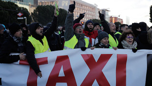 Taksicilerden Uber protestosu
