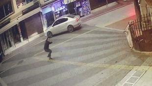 Sokak ortasında silahla vurup hastaneye götürdüler