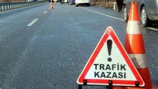 TEM'de TIR devrildi; trafik kilit !
