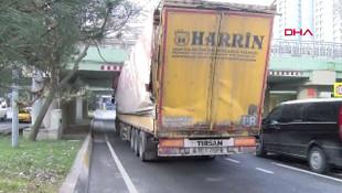 İstanbul'da aynı üst geçit yine aynı kaza