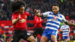 Manchester United 2 - 0 Reading