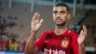 Galatasaray'ın gündemindeki Alan'ın Guangzhou Evergrande ile sözleşme uzattığı iddia edildi