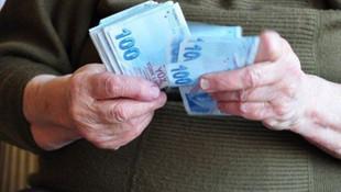Milyonlarca emekli maaşı bekliyor Ne kadar zam yapıldı ?