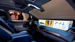 48 inç ekranlı otomobil görücüye çıktı