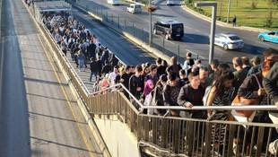 İBB'den metrobüs açıklaması: O durağa artık boş araç gidecek!