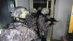 Bursa'da bin polisle şafak baskını