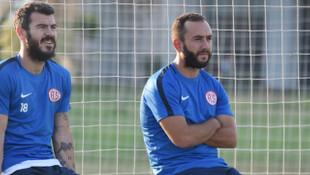 Olcan Adın 34 yaşında futbolu bıraktığını açıkladı!