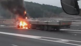 Kuzey Çevre Otoyolu'nda TIR kazası ! Alev alev yandı