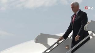ABD'li Mike Pence'in yüz ifadesi her şeyi özetledi