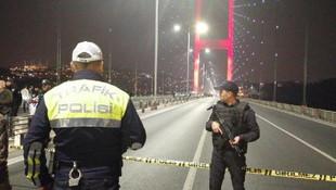 15 Temmuz Şehitler Köprüsü'nde korku dolu anlar ! Köprü kapatıldı