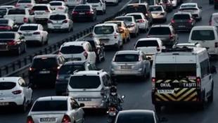 Sürücüler dikkat ! İstanbul'da bazı yollar trafiğe kapatıldı