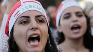 Lübnan'da milletvekili maaşları yarı yarıya azalacak