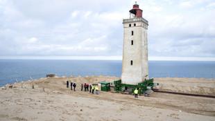 120 yıllık deniz fenerini böle taşıyorlar