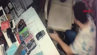 Hırsızlık anı kamerada! İş yeri sahibi görüntüleri görünce şoke oldu
